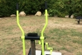 Fitnessgerät-hinterm-Haus-1